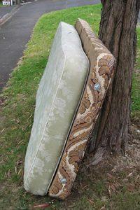 mattress box spring removal Palm Beach Gardens FL